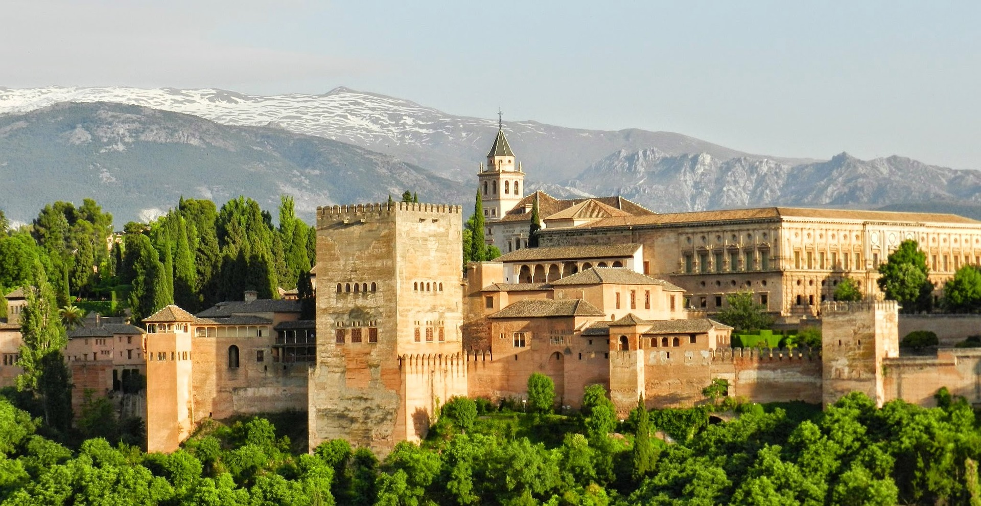 Day trip to Granada with guided visit to the Alhambra